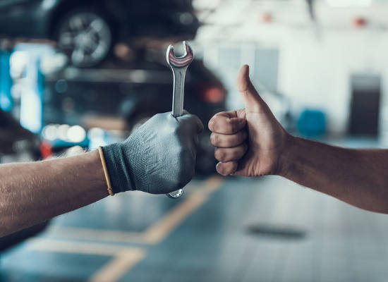 auto mechanics give thumbs up